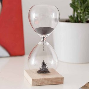 Magnetic Hourglass timer by Kikkerland
